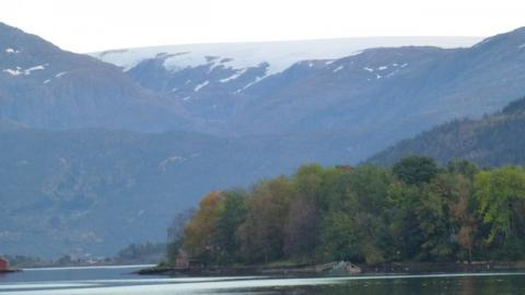Snø på fjelltopp